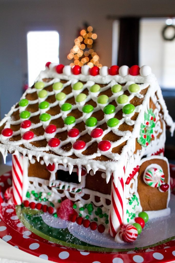 How To Make A Christmas Gingerbread House With Santa For The Holidays