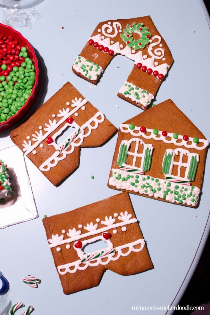 Stress free guide to make a Christmas Gingerbread House