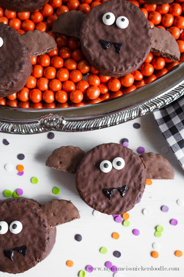 Halloween Bat Ding Dong Treats with candy eyes