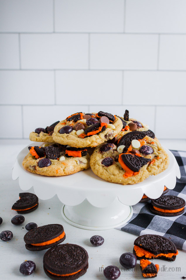 Halloween Cookies and Cream Cookies with Oreos, chocolate and white chocolate