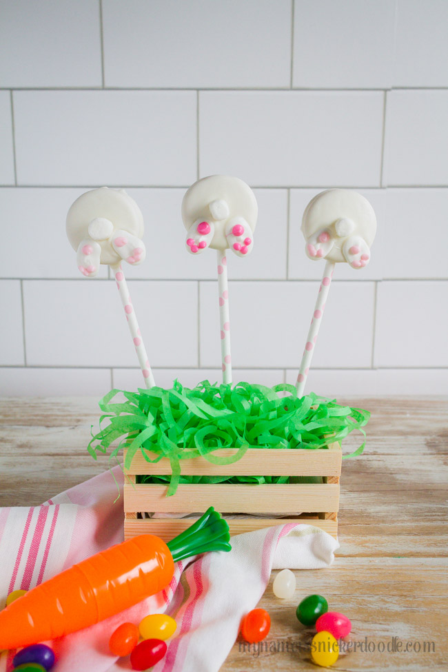Easter Bunny Bottom Cookie Pops. A fun holiday treat!