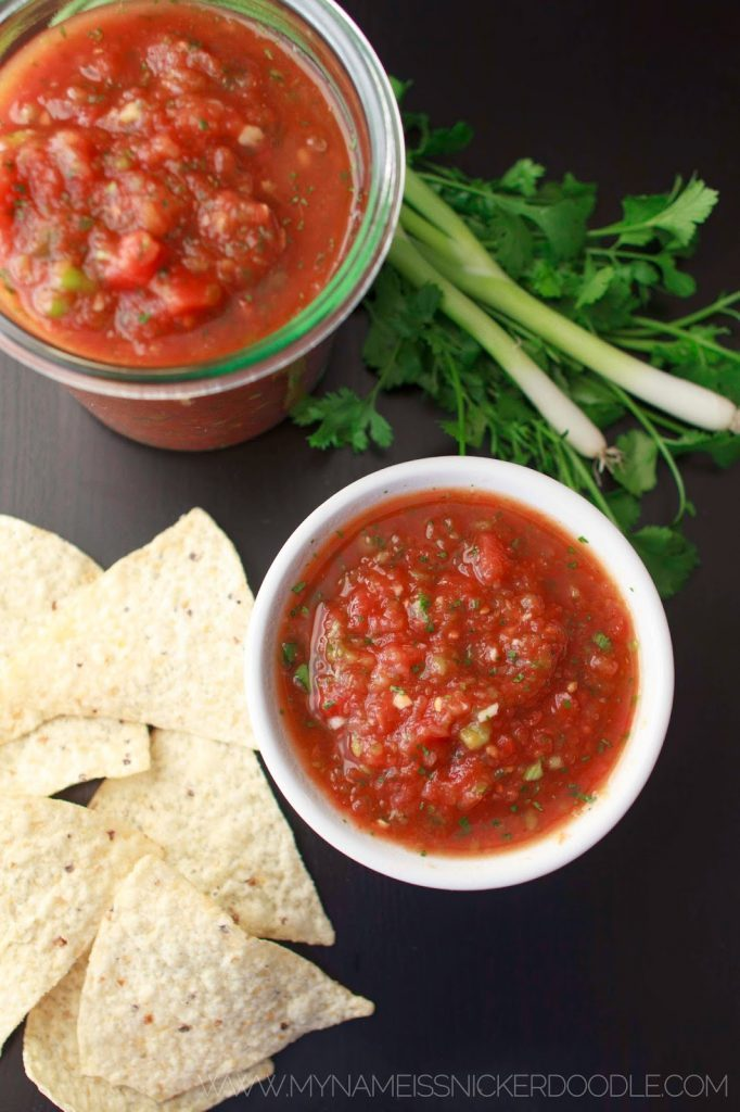 Easy Salsa Recipe  |  Restaurant Style  |  Spicy  |  With Cilantro  |  With Onions  |