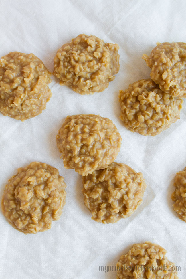 No Bake Peanut Butter Cookies recipes with oats on a table
