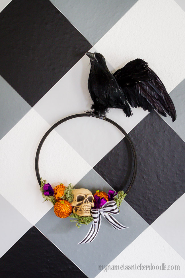 Halloween Wreath DIY with pumpkins, skulls, crows and an embroidery hoop
