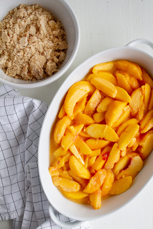 How To Make Peach Crisp dessert.