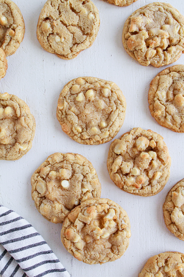 Freshly baked cookies with white chocolate and nuts.