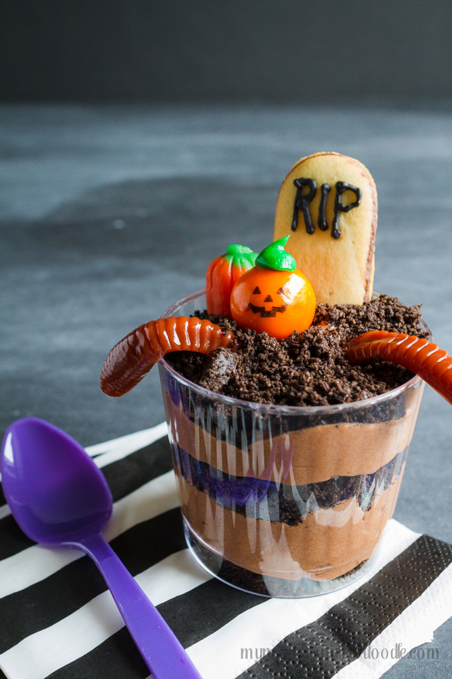 Graveyard Pudding Cookie Cups